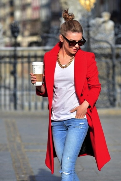 For days when you need a pick me up, you can't go wrong with a gorgeous statement coat and classic casual jeans & a t-shirt